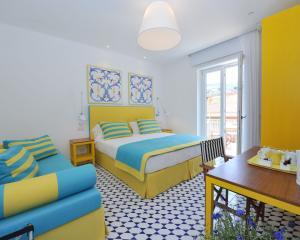 Yellow room - Maison Lauren